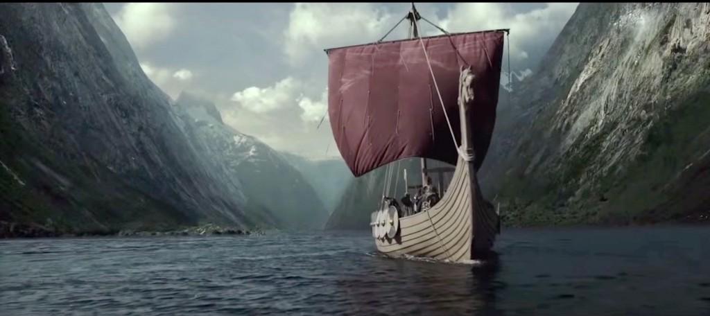 Départ d'un bateau viking de Scandinavie. Mais les Vikings pouvaient ausi partir d'Angleterre où ils étaient bien implantés. Scène de la série TV Vikings.