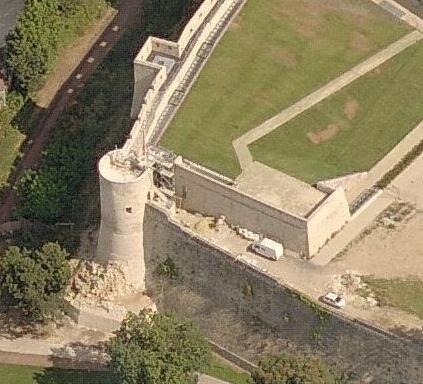 Tour Puchot et terrasse d'artillerie au château de Caen